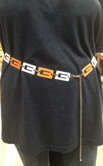 Multi-color go go chain belt