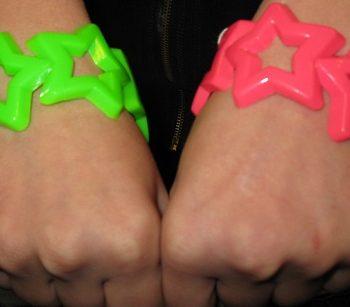80s neon star bracelets